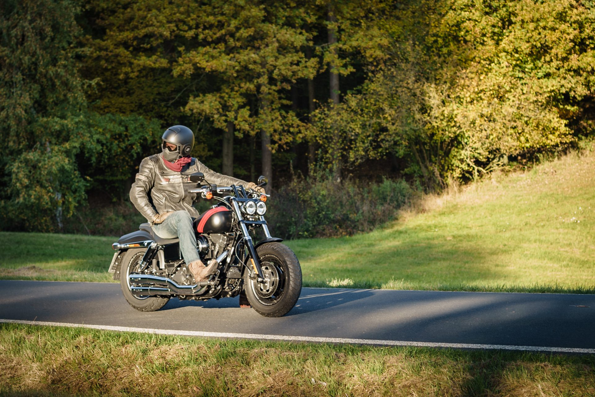 Richard und seine Harley Davidson Fat Bob